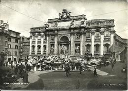 Roma (Lazio) Fontana Di Trevi, Animata, Trevi's Fountain, Fontaine De Trevi, Der Brunnen Von Trevi, Old Cars - Fontana Di Trevi