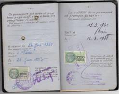 Fiscal 3200F + 1000F Sur Passeport 1953 Pour 1000F Et 1958 Pour 3200F TTB état Complet (monsieur) - Steuermarken