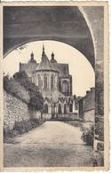 St Hubert - La Basilique Vue De La Route Du Cimetière - Saint-Hubert