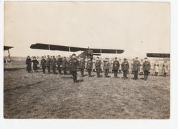 L'ECOLE MILITAIRE DE SAINT CYR - REMISE DE DECORATION (AVIONS EN ARRIERE PLAN) - 1927  - 78 - Guerre, Militaire