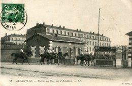 LUNEVILLE - Entrée Des Casernes D'Artillerie Cavaliers - Luneville