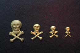 "Peu Courant ! Série De 4 ""Memento Mori"" De Crucifix - Skull - Tête De Mort - Religion & Esotérisme"