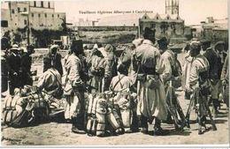 CPA CASABLANCA - Tirailleurs Algériens Débarquant à Casablanca - Ed. J. Guilliano - Casablanca