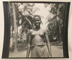 Afrique. Femme Aux Seins Nus. Bénin. Cotonou. - Afrique