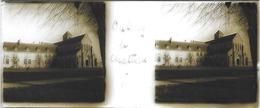 Plaque De Verre Stéréoscopique Positive - Oulchy Le Château - L'Église - Plaques De Verre