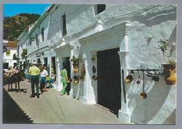 ES.- MIJAS. COSTA DEL SOL. Calle Tipica, Al Fondo La Sierra. Rue Typique, Au Fond La Chaine De Montagnes. Ongelopen. - Andere