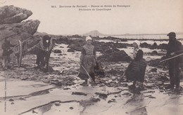 Environs De Portsall - Pointe Et Grève De Treompan-Pêcheurs De Coquillages - Ploudalmézeau