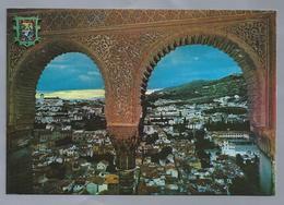 ES.- GRANADA. Alhambra. Arcadas Y Vista General Del Albaicin. Ongelopen. - Granada