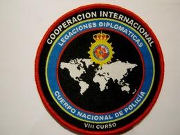 ECUSSON TISSUS PATCH POLICE NATIONALE COOPERATION INTERNATIONALE ETAT EXCELLENT SUR VELCROS - Police & Gendarmerie
