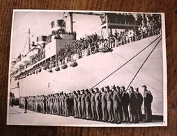 Photo De Presse - Dernière Troupe Américaine Quittent L'Italie Bateau Admiral Sims - Documents