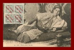 Fez * Femme Arabe Chez Elle   (scan Recto Et Verso ) - Fez (Fès)