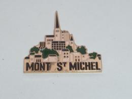 Pin's MONT SAINT MICHEL  04 - Villes
