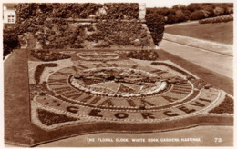 R058168 The Floral Clock. White Rock Gardens. Hastings. The Romney Series - Postcards