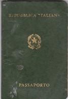 ITALIAN FEMENINO FEMALE YEAR 1976 PASAPORTE PASSPORT REISEPASS PASSAPORTO - BLEUP - Documenti Storici
