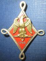 9° Régiment De Hussards, émail, Rouge, 1793, Dos Guilloché, Faux N° - Armée De Terre
