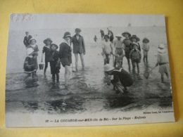 L13 82 CPA 1937 - 17 LA COUARDE SUR MER (ILE DE RE). SUR LA PLAGE. ENFANTS - BELLE ANIMATION - France