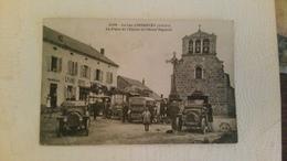 B4/ LAC D'ISSARLES - La Place De L'église Et L'hôtel Teyssier - Autres Communes