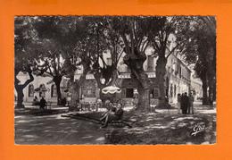 """CHERCHELL   Algérie   CPSM   """" La Place Et Hotel Césarée """"    Le 18 8 1956   ANIMEE - Algérie"""