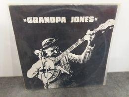 Grandpa Jones - Here Comes The Champion - CCL 1105 - 1975 - Country Et Folk