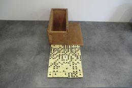 Jeux De Domino En Os Et Bois D'ébène Avec Boite - Complet - - Other