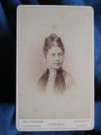 CDV Photo Emil Tiedemann In Bremen - Frauenportrait, Haarkamm, Femme, Joli Peigne Circa 1880 L436 - Photographs