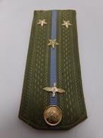 Insigne Militaire Soviétique/Russe - Premier Lieutenant De L'Aviation (Fourreaux D'épaulettes)- Military Badges P.V. - Uniformes