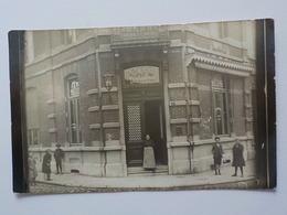 1900 CP Photo Soignies Café Belle-Vue Femme Et Enfants - Soignies