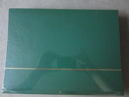 Nex002 NIEUW A4 LEUCHTTURM ALBUM KLEUR GROEN / GREEN MET 64 ZWARTE BLADEN - Albums & Bindwerk