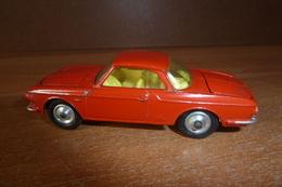 VW 1500 KARMANN GHIA . DINKY TOYS (1/43) N°239 ROUGE - Matchbox