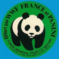 AUTOCOLLANT OFFERT PAR WWF FRANCE ET PANANI FONDS MONDIAL POUR LA NATURE 14 RUE DE LA CURE 75016 PARIS / IMPRIME ITALIE - Autocollants