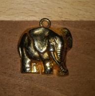 ELEPHANT - FEVE DOREE AVEC BELIERE PAS DE MARQUAGE AU DOS - Animaux