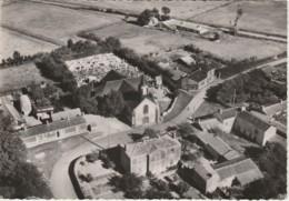 Z29- 85) SAINT URBAIN (VENDEE) VUE AERIENNE - L'EGLISE -CIMETIERE - (OBLITERATION DE 1957 - 2 SCANS) - Francia