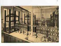 C 233  -  Institut St. Thomas D'Aquin  -  Rue Terre-Neuve, 198  -  Le Laboratoire De Chimie - Enseignement, Ecoles Et Universités