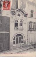 77 COULOMMIERS - Les Bains Et Douches (curieuse Façade Rue Du Général Leclerc, Aujourd'hui Restaurant Exotique) - Coulommiers