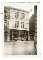 Petite Photo 9 Cm X 6 Cm - Charleroi - 45 Rue D'Orléans - Magasin - 2 Scans - Charleroi