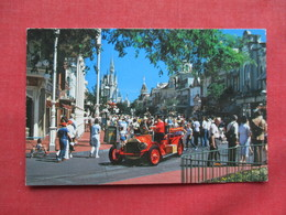 Disneyworld        Main Street With Fire Engine     Ref 3233 - Disneyworld