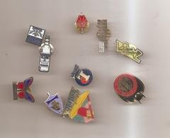 Lot De 10 Pins - Pin's