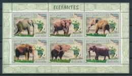 D - [401344]Mozambique 2008 - Eléphant, Nature - Eléphants