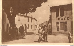 17 Ile De Ré    LES PORTES En  RE   - Le  CAFE RESTAURANT  En 1949 - Ile De Ré