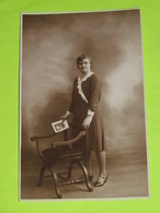 PHOTO Carte Postale Vers 1940 - Tenue Vestimentaire Robe Femme / 41 - Anonyme Personen