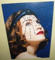 Carte Postale - Lip Silks (Madonna - Verso Avec Signature) Max Factor Gold - Publicité