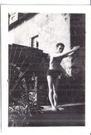JEUNE HOMME EN MAILLOT DE BAIN PLONGE DU MOULIN MORILLON -MONTMORILLON  7 JUIN 1942 - Personnes Anonymes