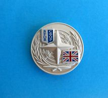 BRITISH ARMY In Bosnia War 1990's - United Nations Peacekeeping Mission ( SFOR ) * Nice Pin Badge England - Armée De Terre