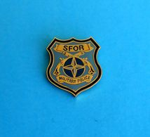 SFOR - MILITARY POLICE In Bosnia War 1990's - United Nations Peacekeeping Mission ( SFOR ) * Nice Pin Badge - Armée De Terre