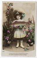 Poisson D'Avril --- Fillette Avec Jolie Robe Tenant Un Poisson - 1er Avril - Poisson D'avril
