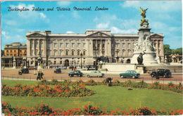 London: MORRIS MINOR, FORD ZEPHYR, AUSTIN A90 WESTMINSTER, NORFOLK - Victoria Memorial, Buckingham Palace - Toerisme