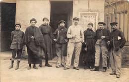 CARTE-PHOTO- A SITUER- GROUPE D'OUVRIERS- VOIR AFFICHE - Métiers