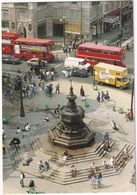 London: MERCEDES TN 307D, FREIGHT ROVER SHERPA, VAUXHALL CAVALIER, AUSTIN FX, DOUBLE DECK BUSES - Piccadilly Circus - Toerisme