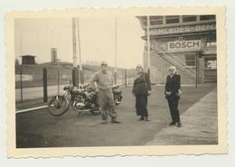Kleines Privat Foto Motorrad Bike Nürburgring Start Und Ziel 1951 - Motorräder