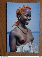 32 Kaarten Met NAAKT - NUDE - NAKED - SEXY (zie Foto's) - Cartes Postales